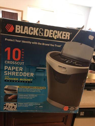 Black and Decker CC1000 Paper Shredder *10 Sheet Crosscut Paper Shredder NEW