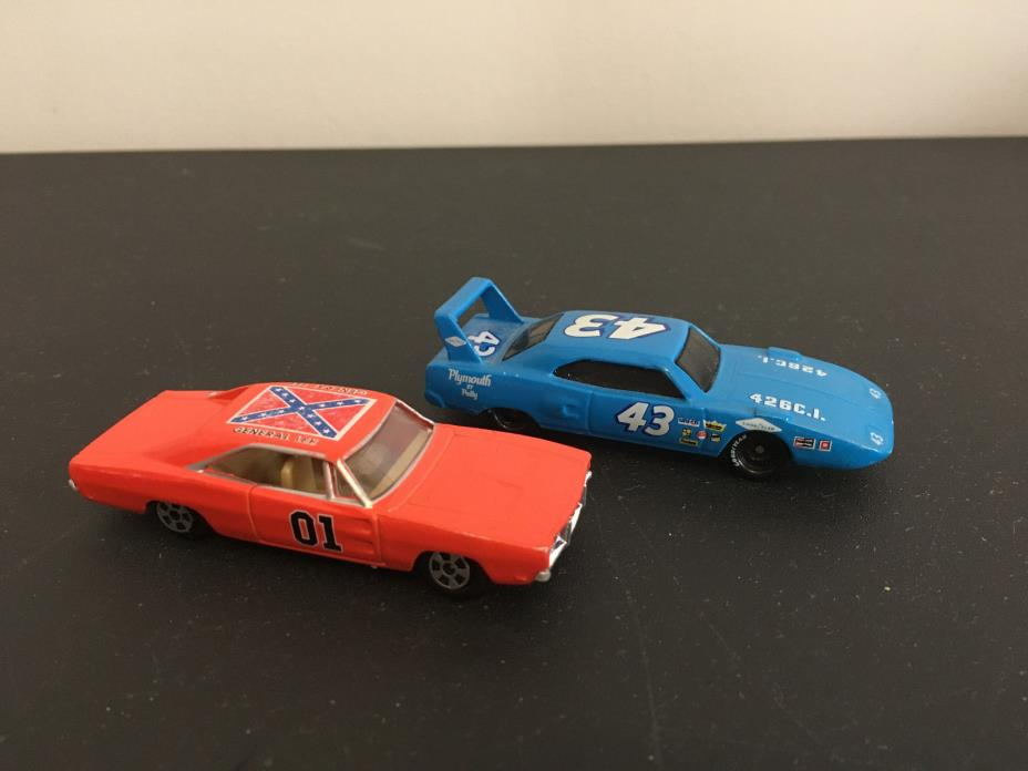 Ertl General Lee Dukes Of Hazzard Diecast Car & #43 Petty Race Car - Die Cast