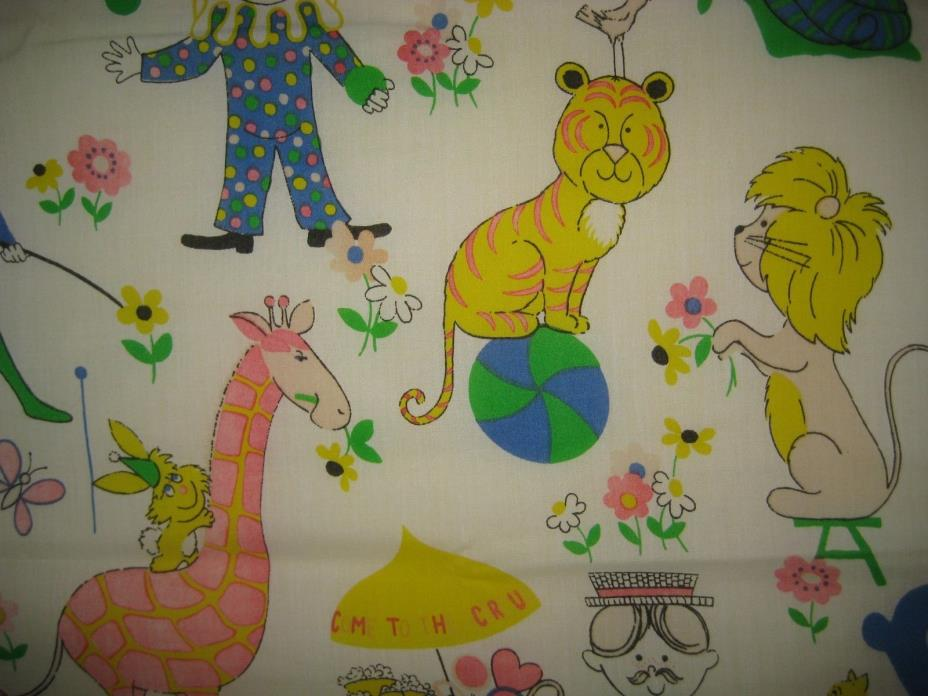 VINTAGE KIDS CIRCUS CURTAIN SHEET FABRIC 1970S CUTE NOVELTY PRINT ANIMALS 1974