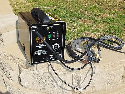 CHICAGO ELECTRIC WELDING MIG 170, 240 V WIRE FEED WELDER, MINT CONDITION!