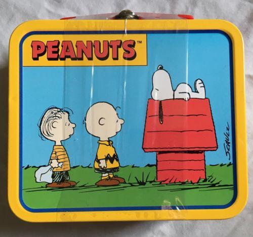 Peanuts Snoopy Miniature Lunch Box Metal Charlie Brown Linus Woodstock