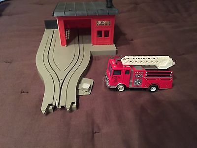 Tyco US1 Trucking US 1 Fire Station And Fire Truck Electric Trucking