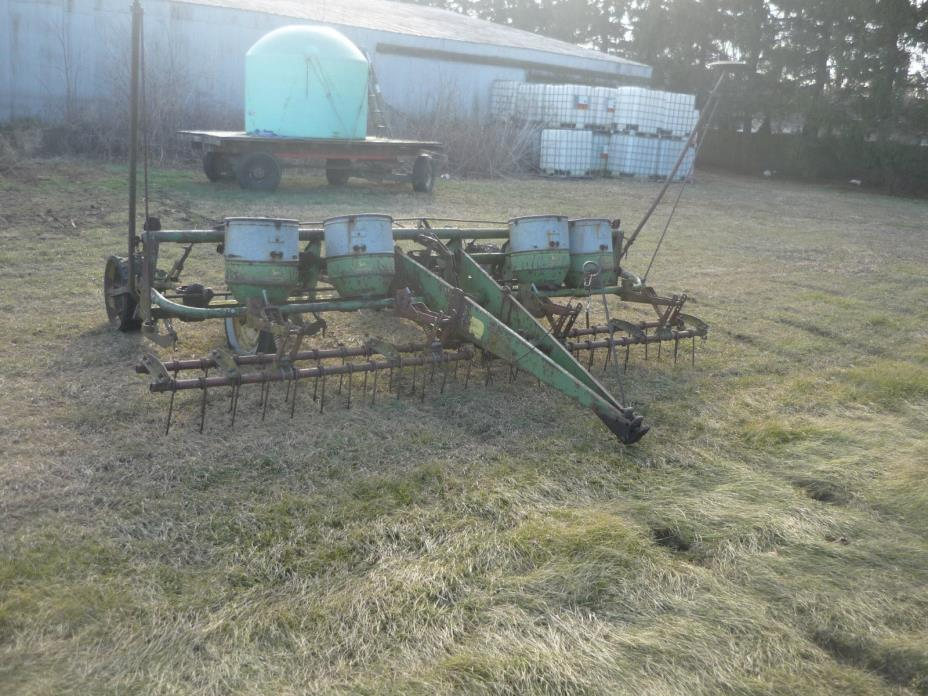 ANTIQUE FOUR ROW JOHN DEERE PLANTER  NICE