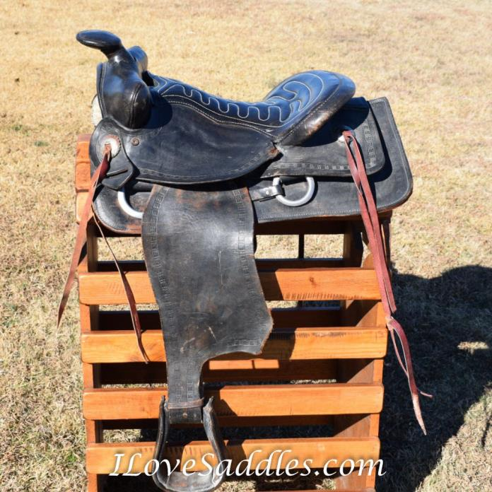 Western Saddle (Decoration Only)