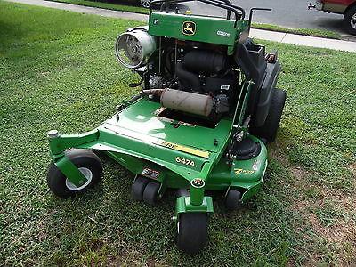 JOHN DEERE 647A Stander 48 Inch Cut Propane Operated