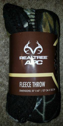 NEW Realtree APC Camouflage Fleece Throw Blanket Size 50