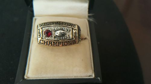 10K GOLD 1977 SADDLEBACK COLLEGE MISSION BOWL CHAMPIONSHIP RING SIZE 13