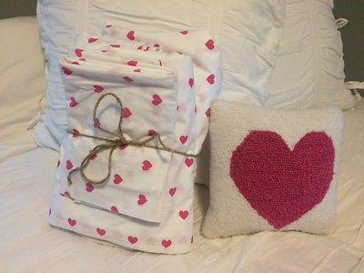 pottery barn kids: Bright pink heart sheet set size Queen