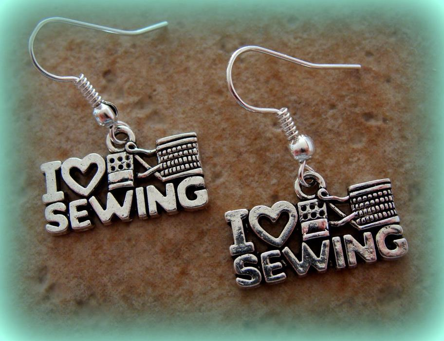 Earrings: I LOVE SEWING Jewelry - Quilting - Vintage Featherweight themed