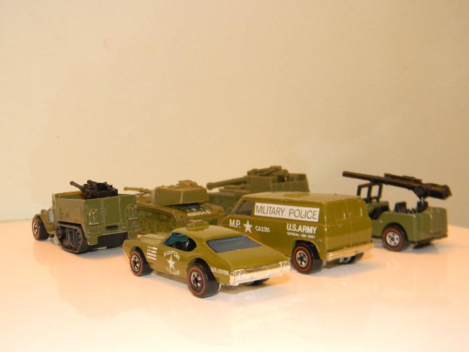 1976 Military Machines Gift Set! NM! Olds 442  Redline HotWheels Cars