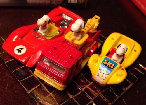 LOT OF 3 VINTAGE SNOOPY PEANUTS CARS AVIVA Race car Fire Engine Buggy