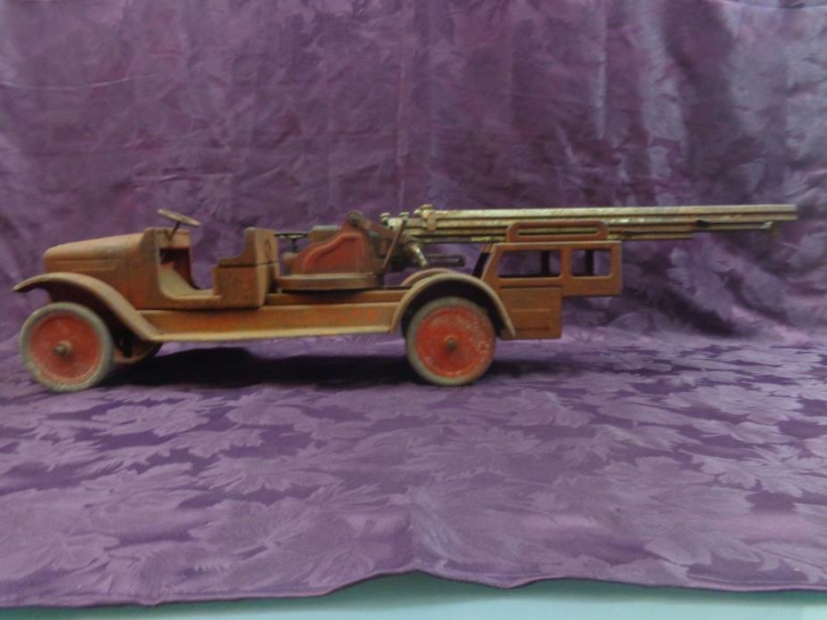 Rare 1920's  Buddy L Hydraulic Aerial Fire Engine Truck & Ladder For Restoration