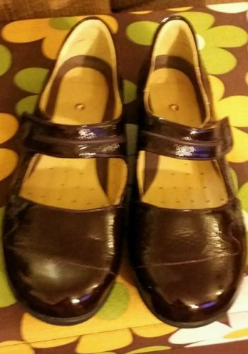 Clarks Artisan unstructured womens Mary Jane Size 9 Wide