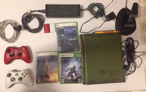 XBOX 360 HALO 3 Console 3 Games 2 Controllers Charger Halo 3 ODST Halo 4 Bundle