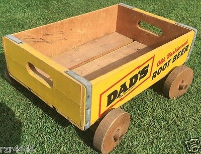 VINTAGE DAD'S OLD FASHION ROOT BEER WOODEN SODA CRATE WAGON SIGN