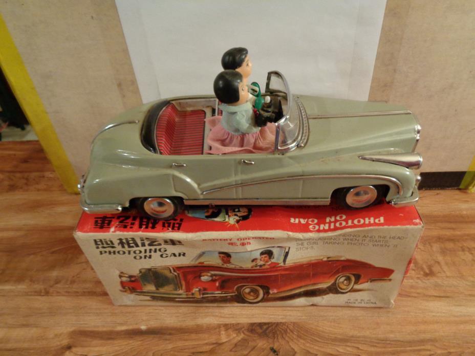 VINTAGE TIN ROLLS ROYCE 1960's - ME 630 ''PHOTOING ON CAR