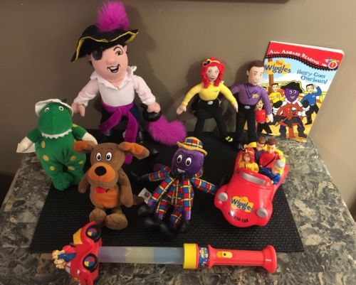 THE WIGGLES 6 Characters Plush Dolls Stuffed Toys Lot ~ Car & Book