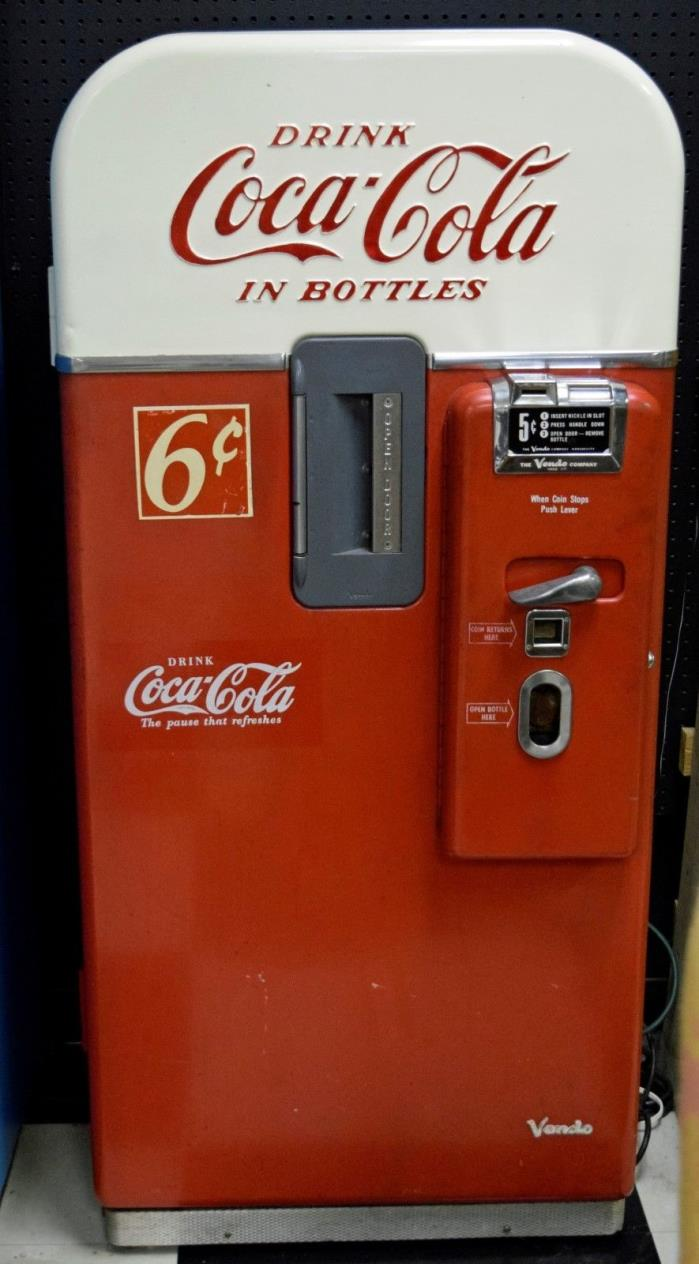 VINTAGE VENDO 39 COKE MACHINE