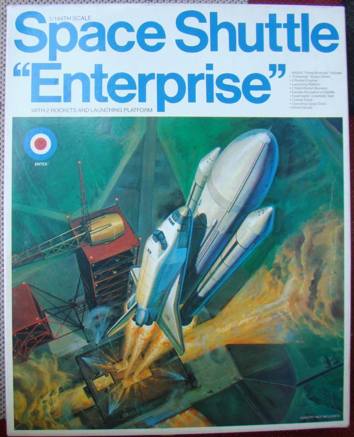Entex 1/144 Space Shuttle Enterprise 8529 Opened Box
