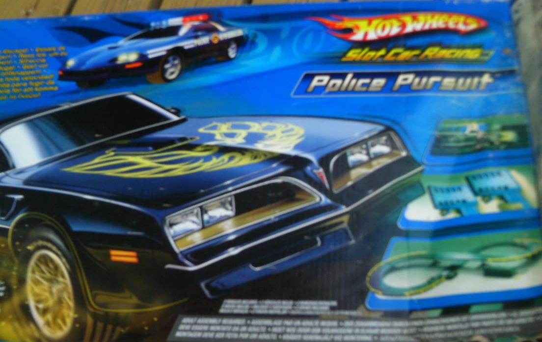 Hot wheels Slot car track set Police Pursuit