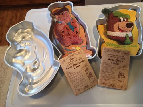 Vintage Wilton Fred Flintstone, Scooby Do & Yogi Bear Cake Pan Lot. 1975