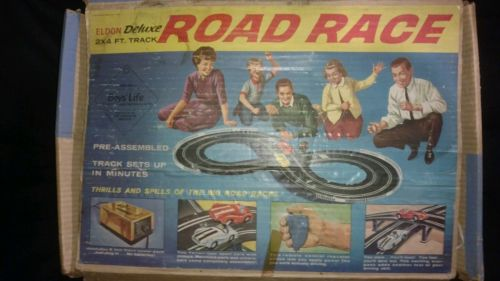 Eldon Vintage 1/32  Deluxe Road Racing Set 2 Cars and Original Box 1960's