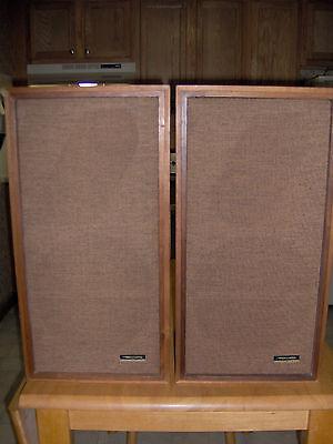 Vintage 1973 Realistic Optimus-1 Speakers Walnut Wood 8 ohm 40-1969A NICE!