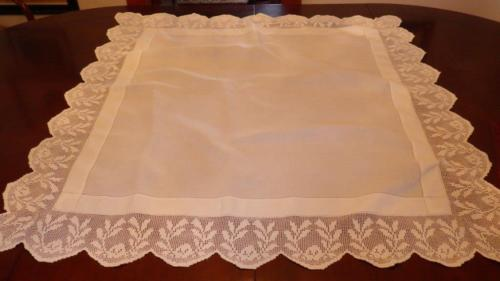 Antique Vintage White Cotton Tablecloth Deep Lace Edge 45