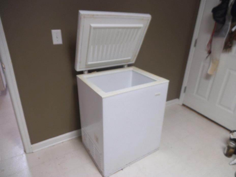 Chest Freezer White Industries USA made  27