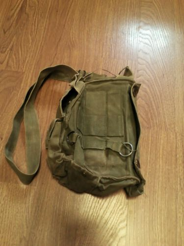 VINTAGE M17A1 US ARMY GAS MASK CHEMICAL-BIOLOGICAL CANVAS BAG