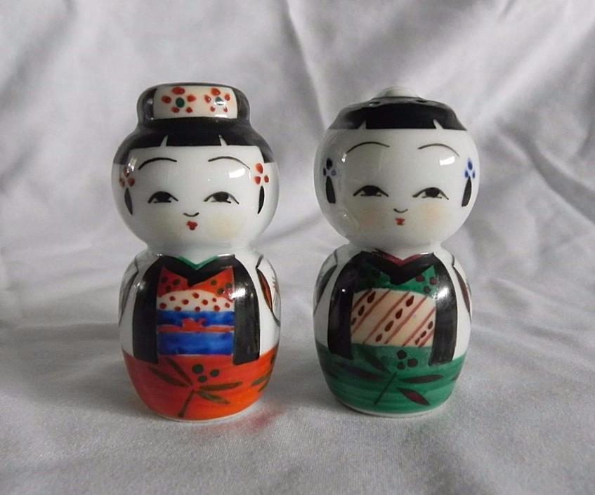 Vintage JAPANESE MAN WOMAN  SALT & PEPPER SHAKERS Hand Painted Japan