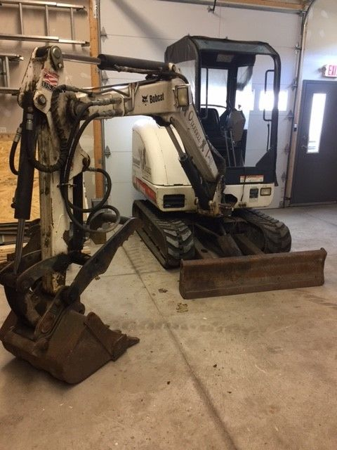 2007 Bobcat 325 Excavtor with thumb