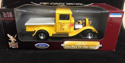 1:18  1934 FORD PICK UP TRUCK( Pro Street)  Deluxe Collection Diecast
