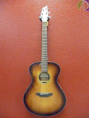 Breedlove Discovery Concert SB Acoustic Guitar, Sunburst, Gig Bag Included