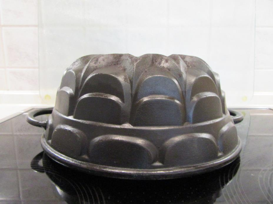 Antique Bundt Cake Pan Iron Heavy