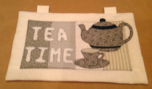 Appliqué Quilt Will Hanging, Hand Made, Tea Time, Tea Pot, Cup, Off White, Green