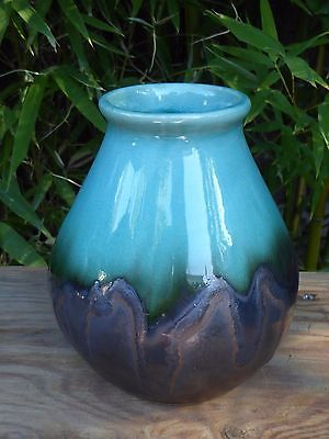 Lovely Contemporary Ceramic Decorative Vase Blue Crackle Glaze 5