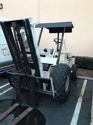 4,000bs Rough Terrain Forklift w/tow bar
