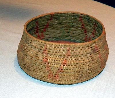 NATIVE AMERICAN Hupa / Karok early 1900s Woven Basket Faded