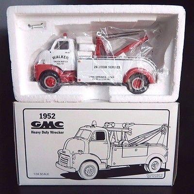 New First Gear 1952 GMC Walker Truck Repair Heavy Duty Wrecker 1/34 Scale