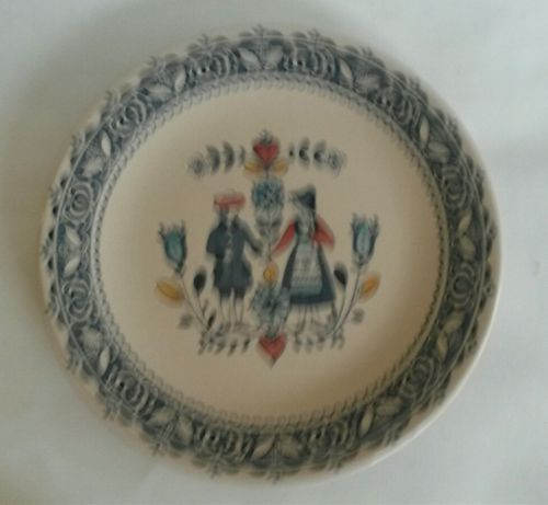 Staffordshire Johnson Brothers Old Granite Hearts & Flowers Dinner Plate Smooth