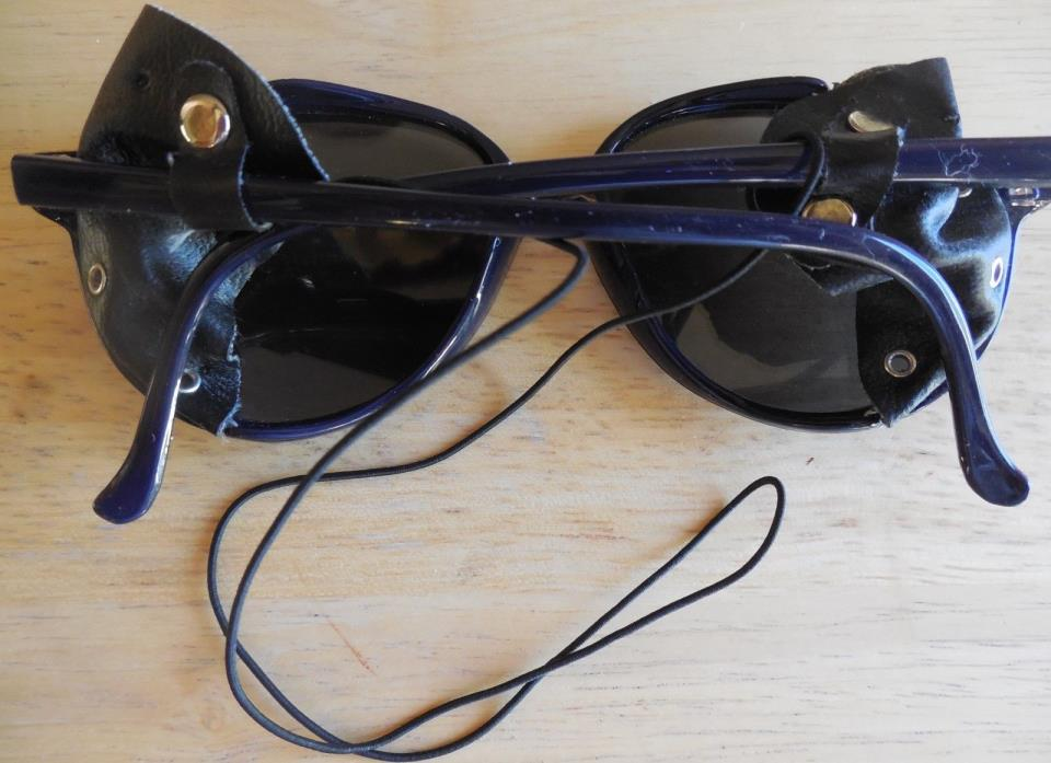 VINTAGE BLACK NYLON FRAME MIRROR LENS LEATHER  GLACIER SKI/SNOWBOARD SUNGLASSES