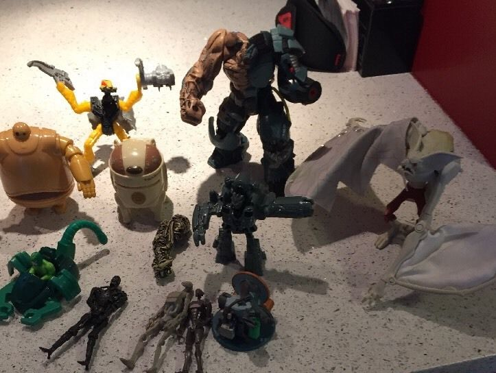 Lot of 12 Action Figures - Mixed Lot - Star Wars - Terminator - Spiderman - Lego