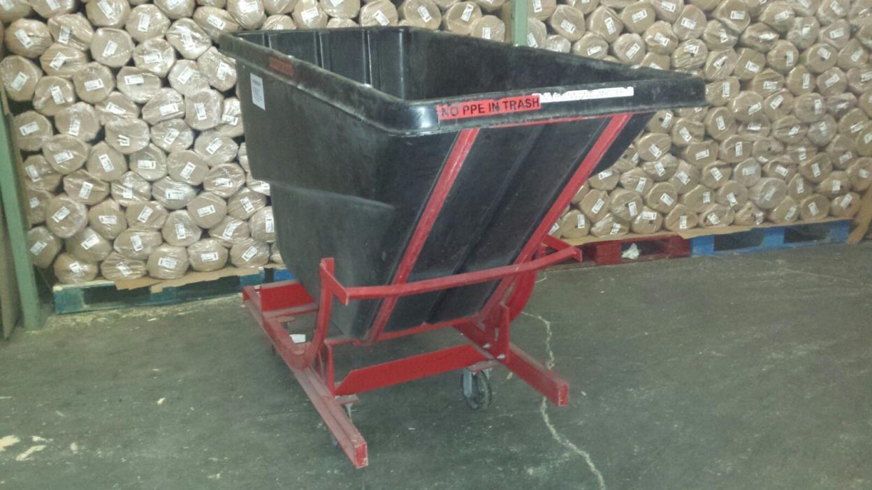 Rubbermaid Self Dumping Hopper, 1 Cubic Yard, 1000 lb Capacity, Black/Red 1059
