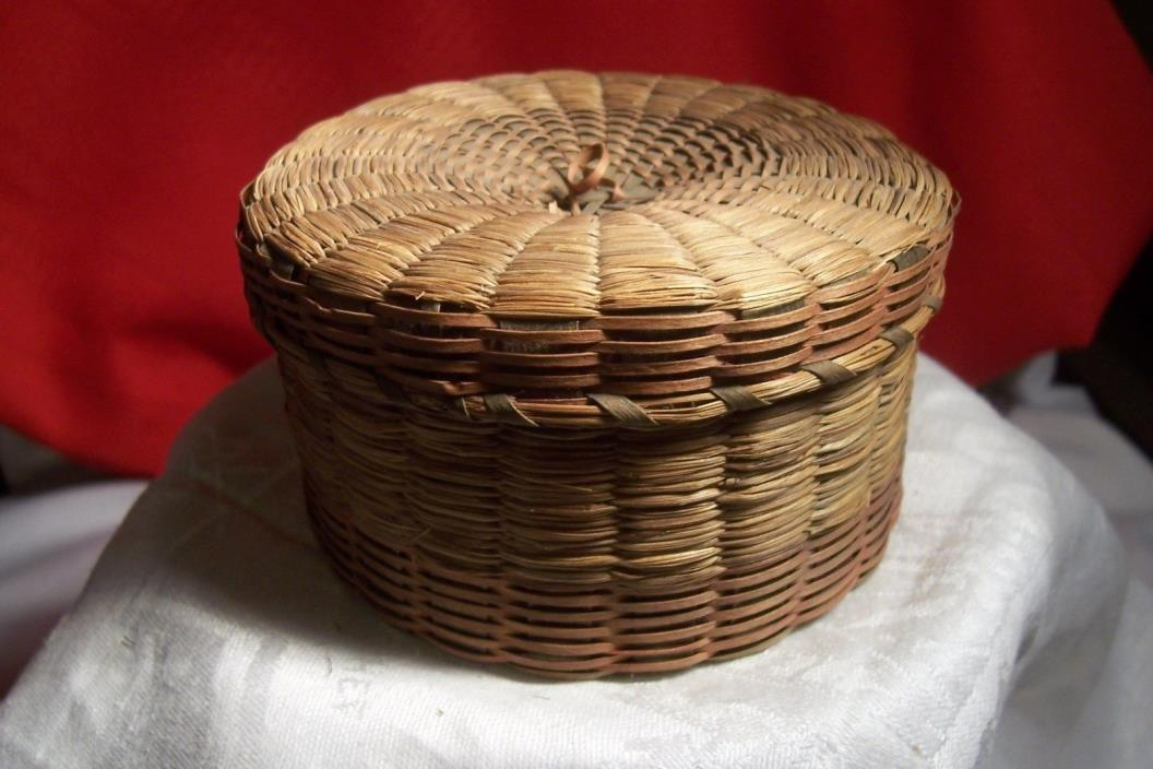 NATIVE AMERICAN VINTAGE PENOBSCOT INDIAN SWEETGRESS BASKET, L-B547