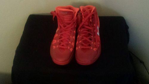 Womens nike basketball shoes size 8.5