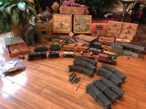 Lionel Pre War Tran Lot With Original Boxes & Lincoln Logs
