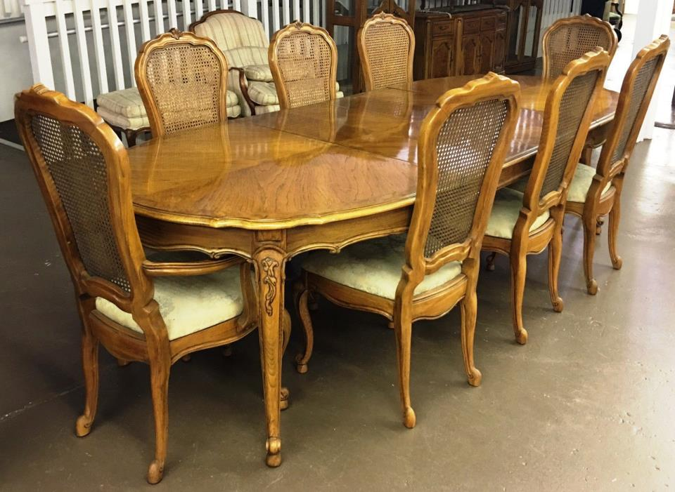 Thomasville Dining Room Sets - For Sale Classifieds