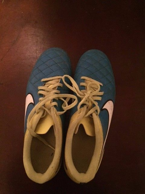 Nike soccer cleats size 9.5