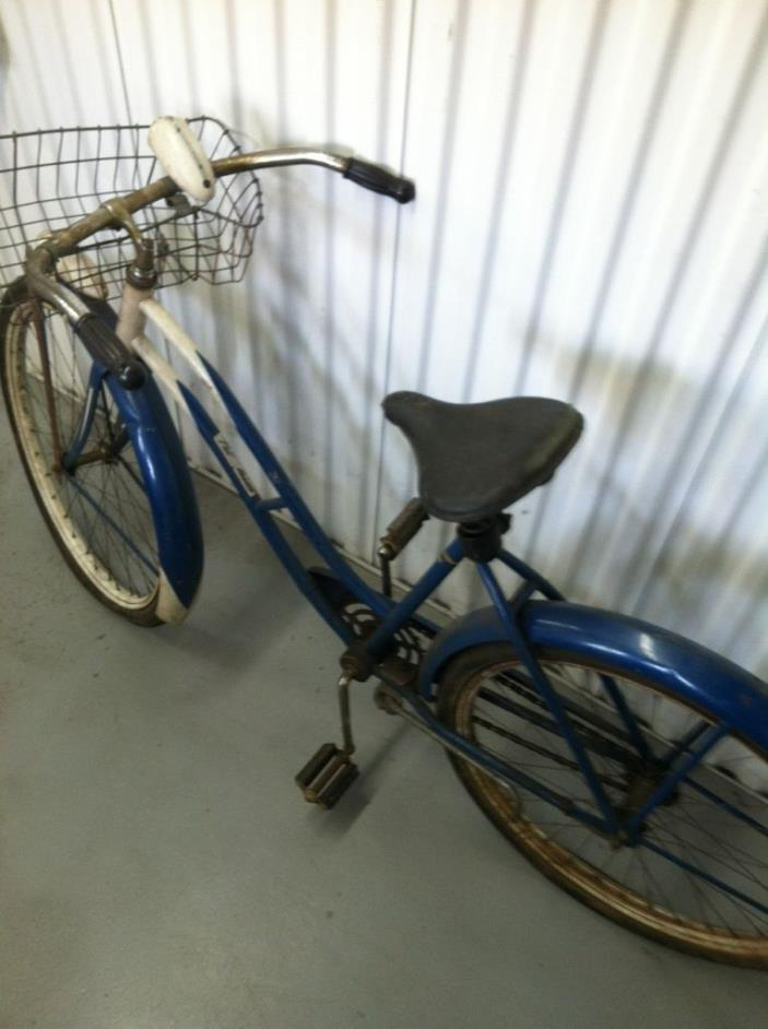 Vtg Schwinn Girls Bike